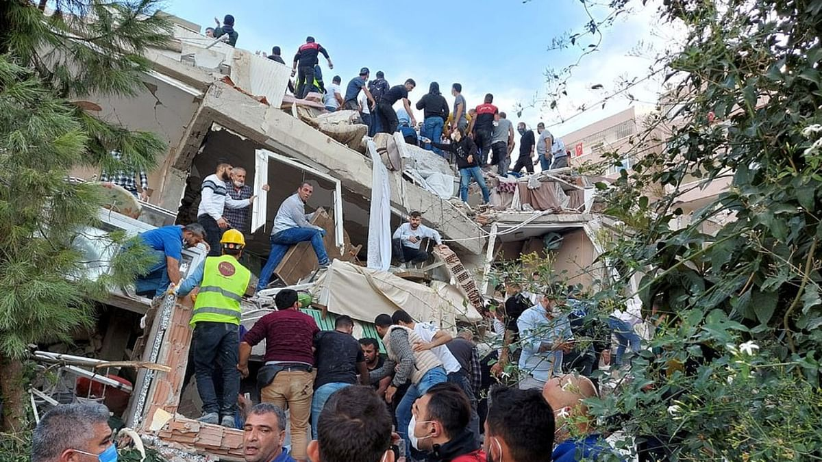 7.0-magnitude earthquake flattens buildings in Turkey, followed by mini-tsunami on Greek islands
