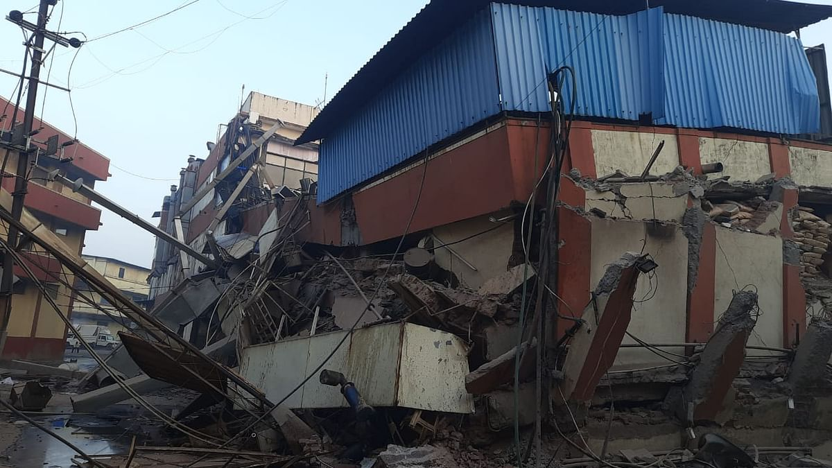 Three injured after godown in Bhiwandi collapses