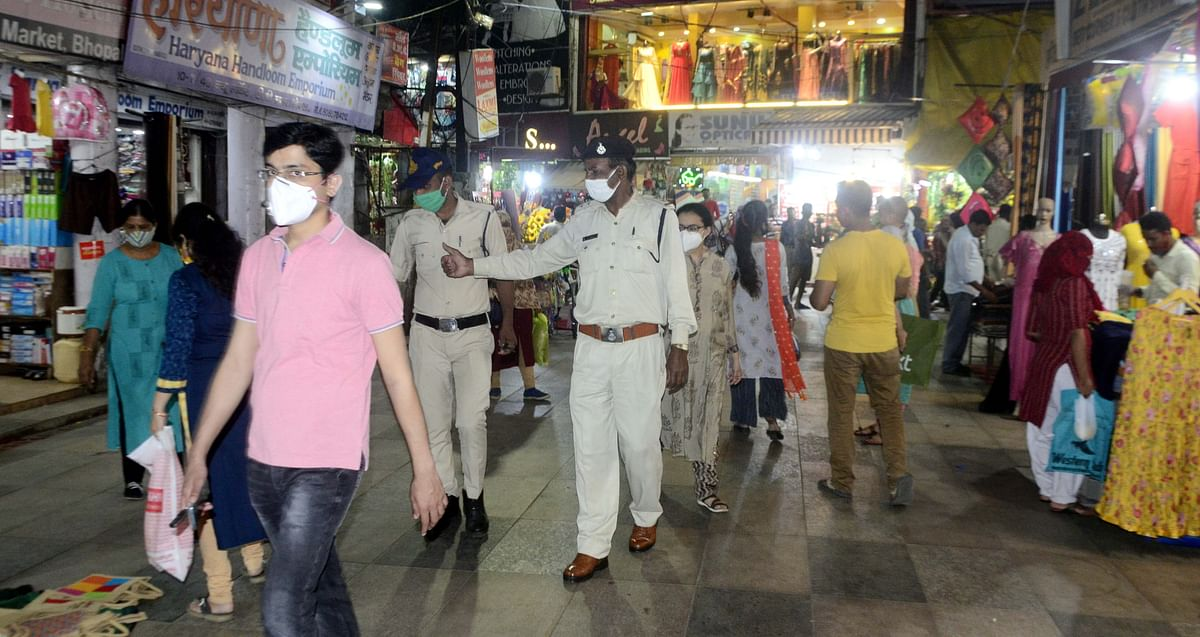 Free Press Impact in Bhopal: Finally, the good sense prevails, cops deployed in markets to enforce Covid-19 guidelines