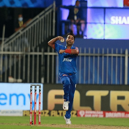 IPL 13: Delhi Capitals' spinner Amit Mishra doubtful for RCB game due to finger injury