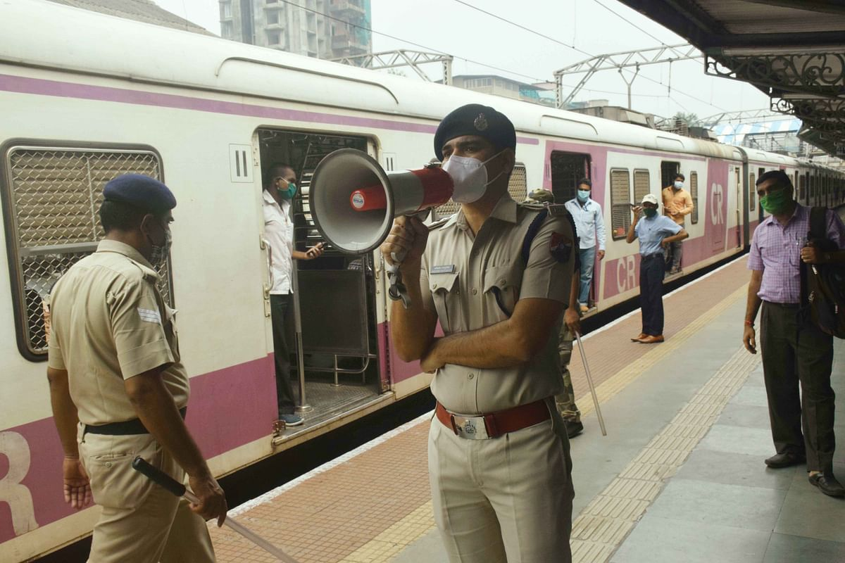 COVID-19 in Mumbai: Central and Western Railway maskless travellers to be fined Rs 200