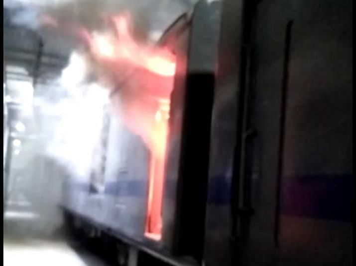 Fire breaks out in AC local at Mahalaxmi carshed