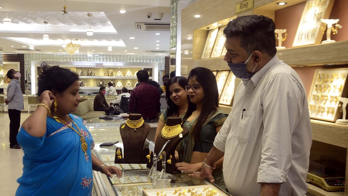 Bhopal: No Diwali, wedding glitter for gold; sales down by 50 %