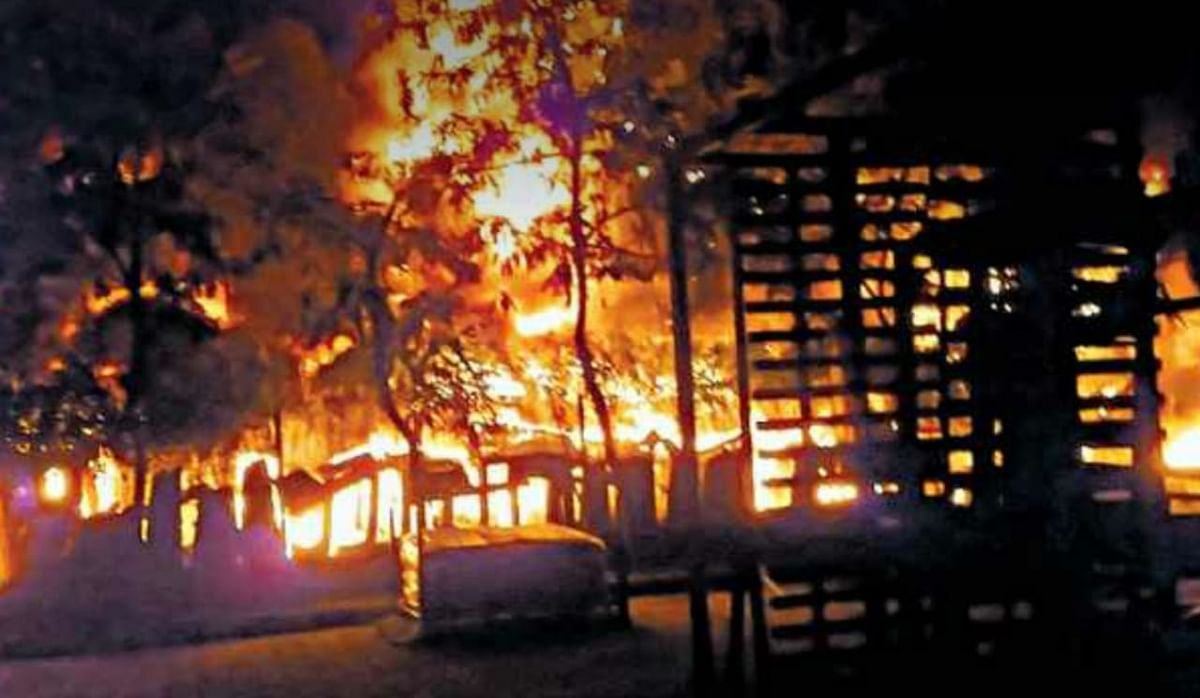Indore: Fire breaks out plastic factory in Sanwer road, goods worth lakhs gutted
