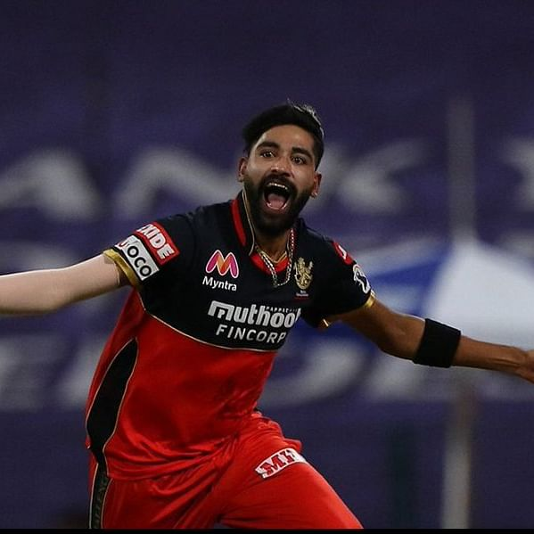 Twitter amazed as RCB's Mohammed Siraj becomes first bowler to bowl two maiden overs in IPL match