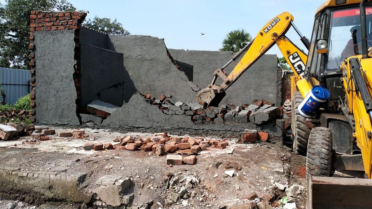 Mira Bhayandar: MBMC razes illegal structures in Kashimira