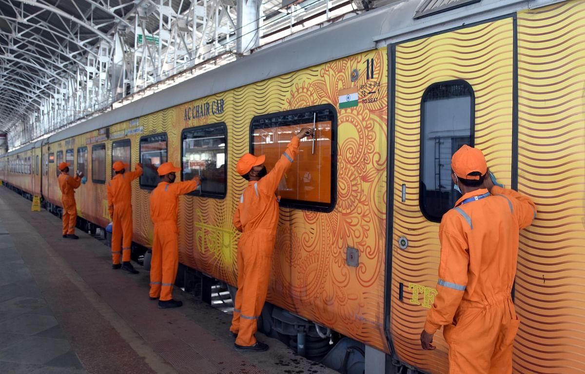 BJP playing politics on allowing ladies on local trains: Congress & Shiv Sena