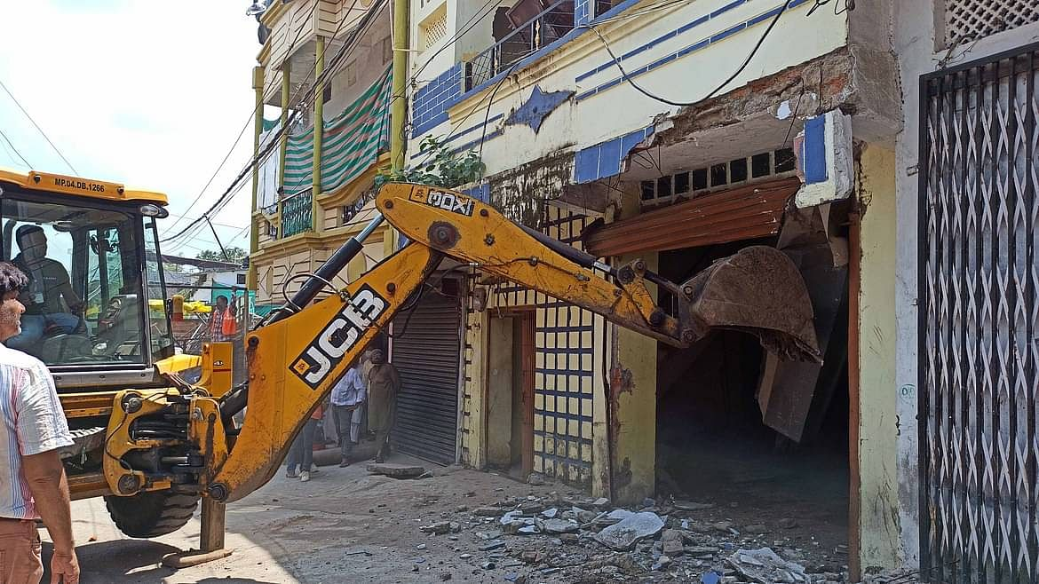 Bombay High Court stays all eviction, demolition of illegal constructions in Maharastra till Dec 22