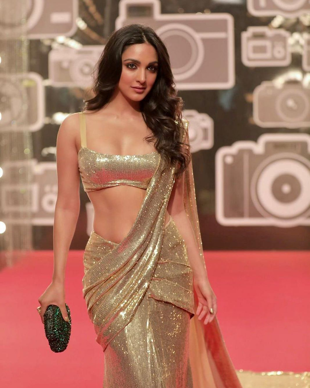 Kiara Advani looks stunning draped in six yards of grace by Manish Malhotra