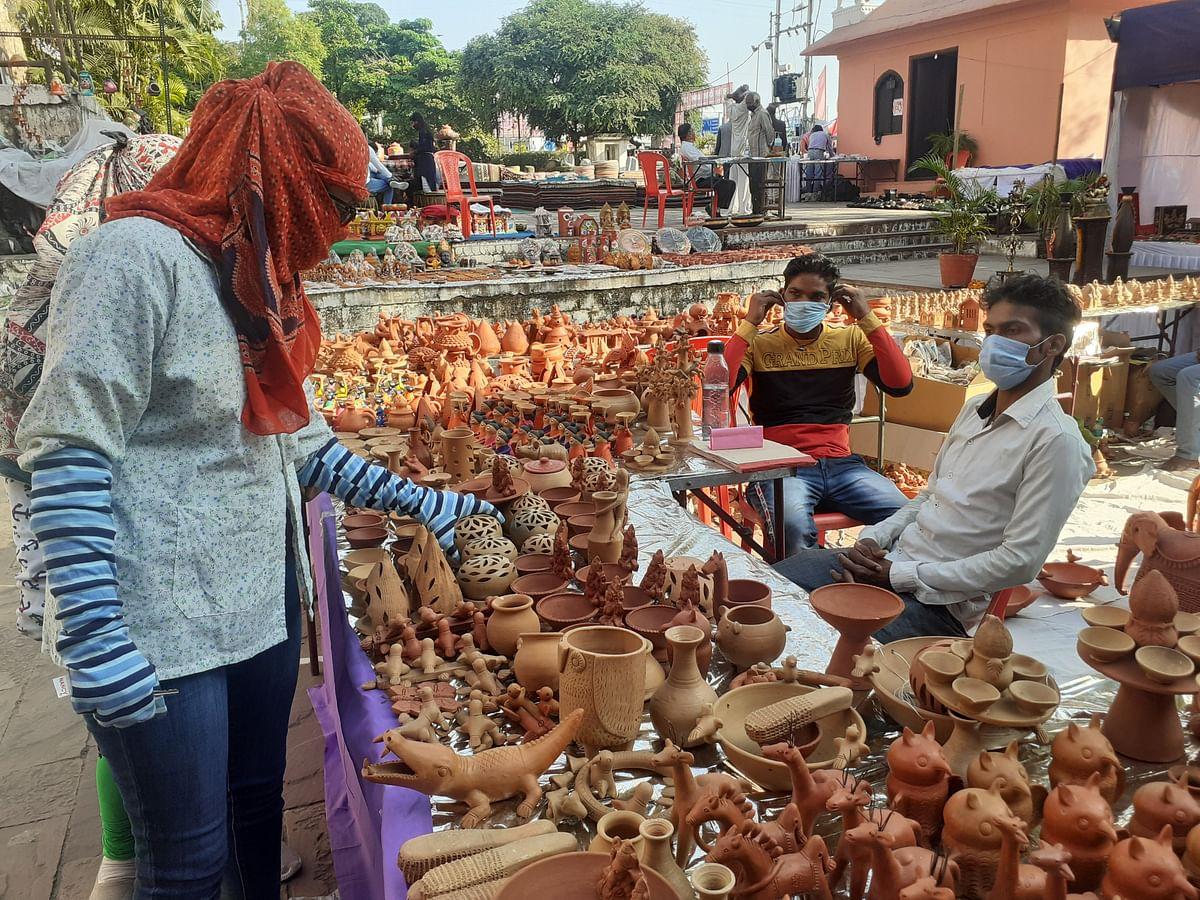 Bhopal: Diwali fails to light up sales of diyas, clay articles