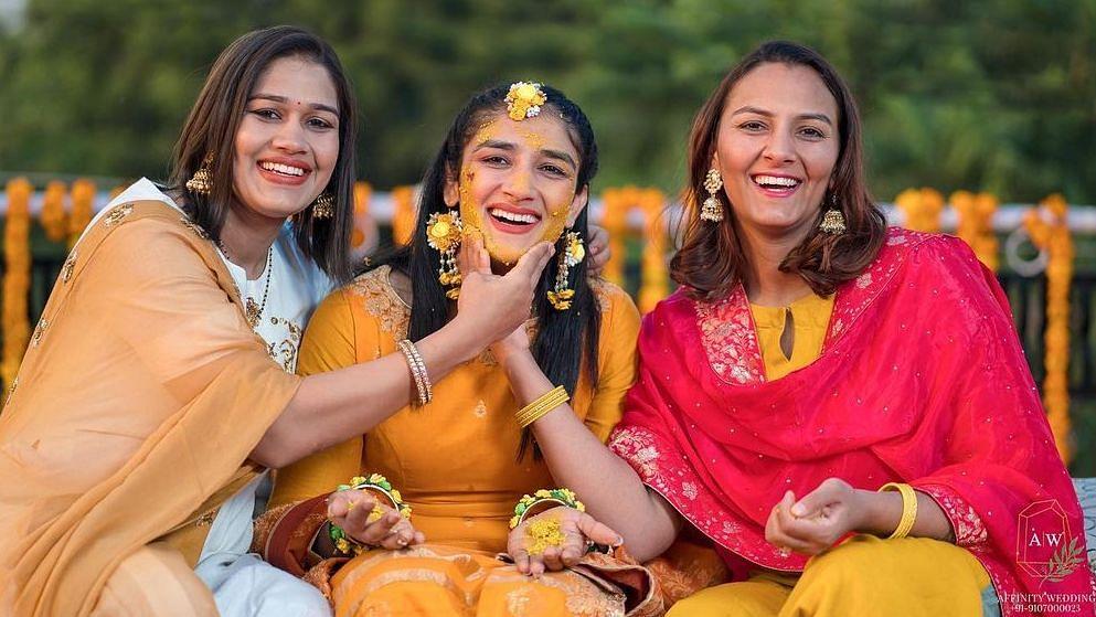 'Dangal' girls Geeta-Babita's sister Sangeeta Phogat shares pictures from her Haldi ceremony
