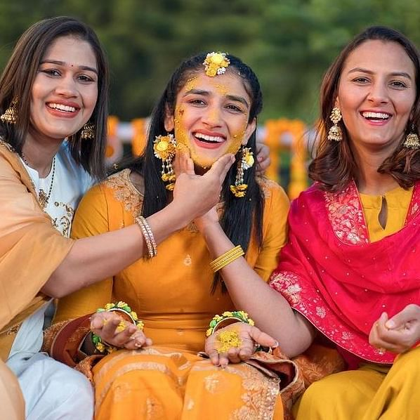 'Dangal' girls Geeta-Babita's sister Sangeeta Phogat shares pictures from her Haldi ceremony