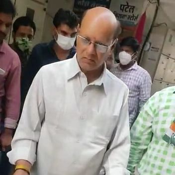 MP Bypolls: Campaigning ends, but Congress, BJP continue trading charges