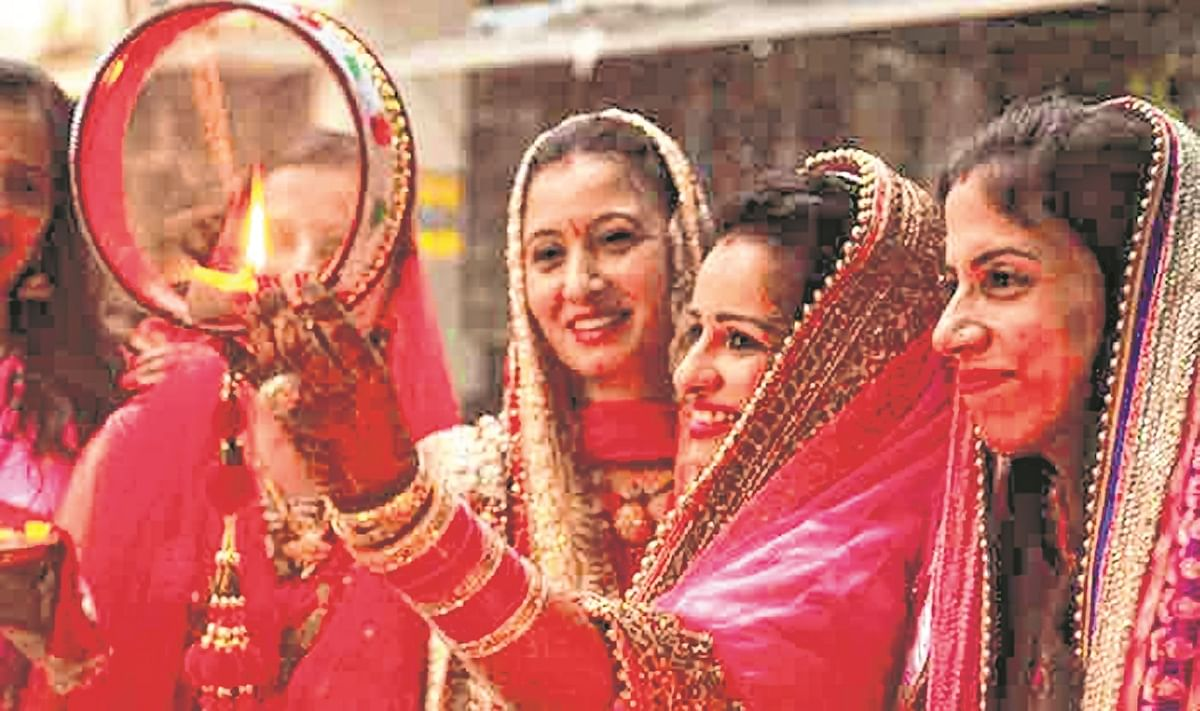 Muslim women in UP perform 'Karva Chauth', clerics frown
