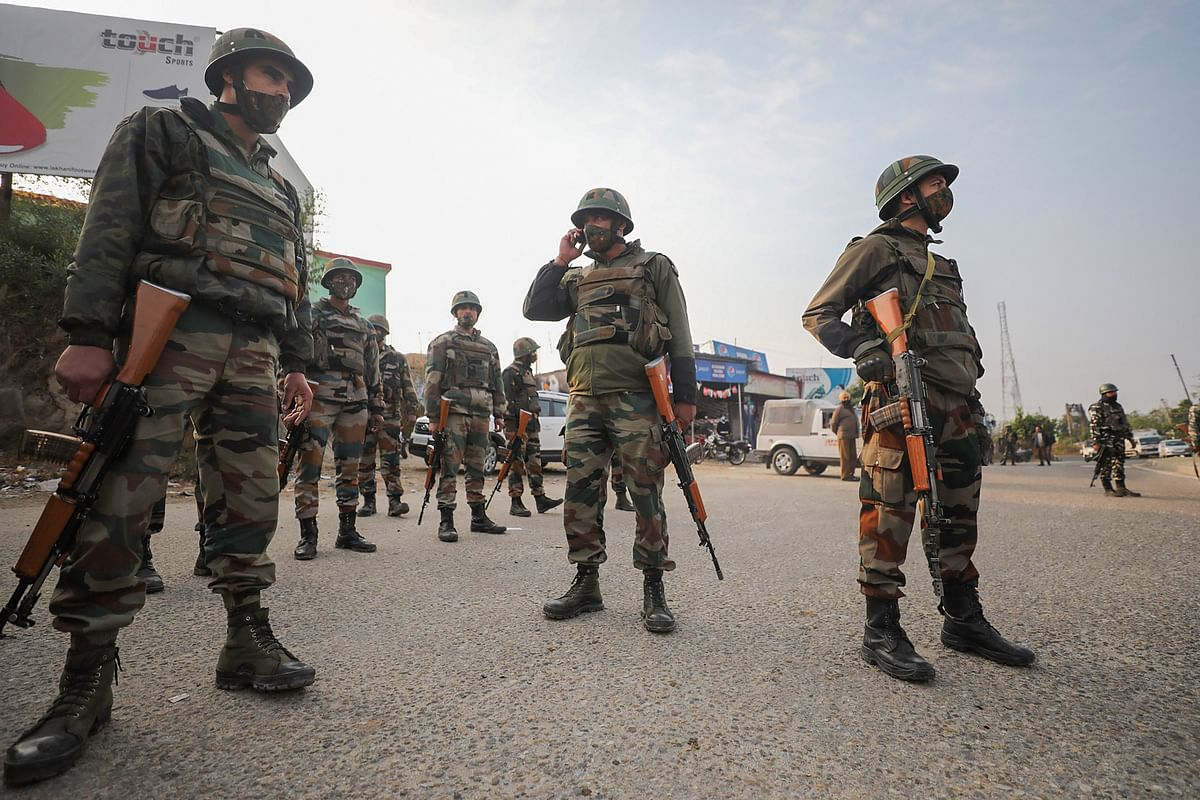 Jammu: Security personnel inspect the site of encounter at Nagrota Ban toll plaza in Jammu, Thursday, Nov. 19, 2020. A gunfight broke out between terrorists and security forces in the Nagrota area of ​​Jammu and Kashmir. S Jammu district early on Thursday. Four militants have been killed.