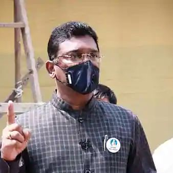 Shiv Sena MLA Pratap Sarnaik, son Vihang summoned by ED in money laundering case