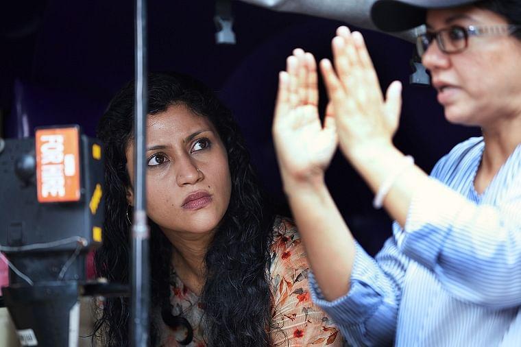 Tanuja with Konkona Sensharma on set of A Monsoon Date