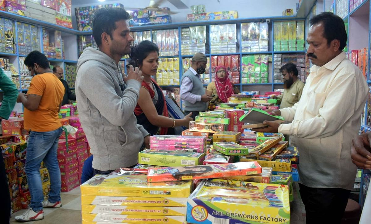 Restrictions galore: Not so happy Diwali for Bhopal traders, crackers sales down 70%