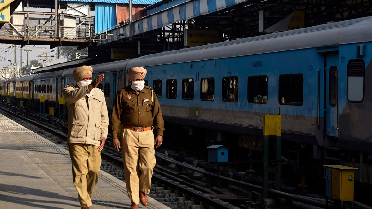 Railways restores 11 trains; Punjab farmers say will not allow passenger trains