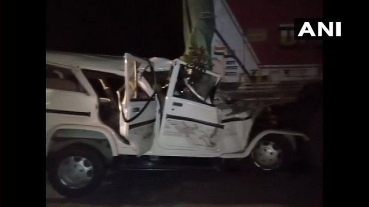 6 children among 14 killed in road accident in Uttar Pradesh's Pratapgarh