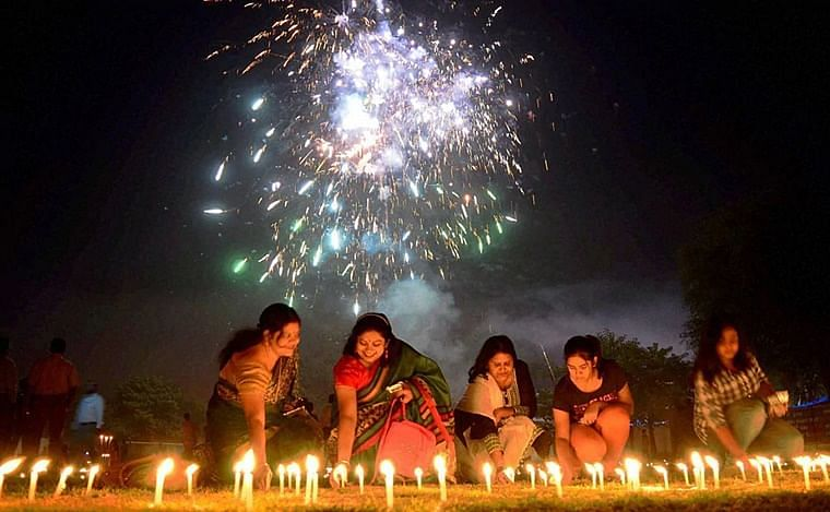 Swadeshi Jagran Manch opposes blanket ban on firecrackers in Diwali