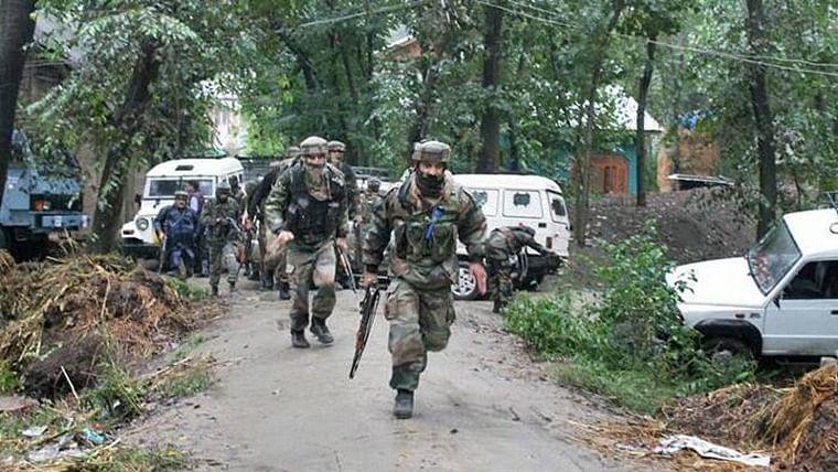 Five CRPF personnel injured in Naxal attack in Chhattisgarh