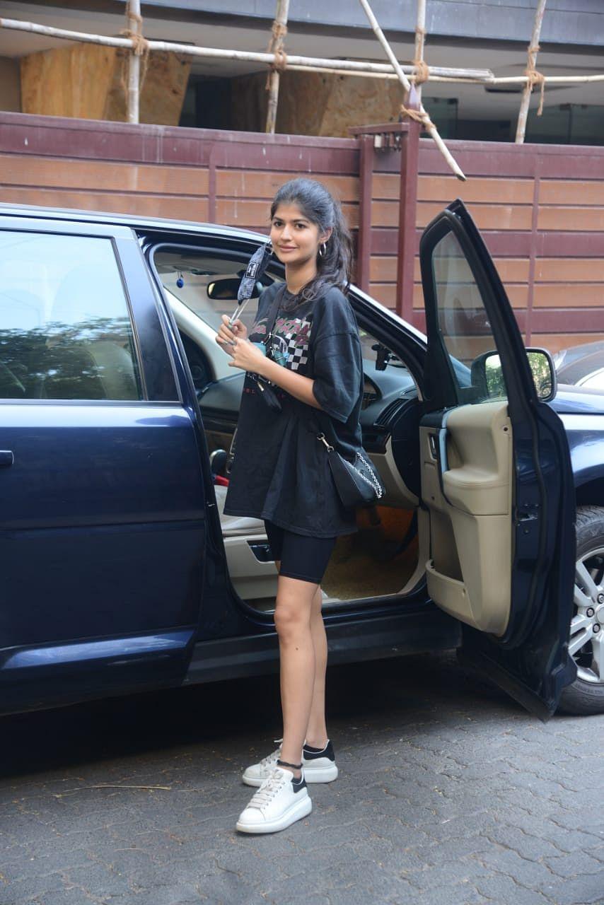 Anjini Dhawan snapped in Juhu