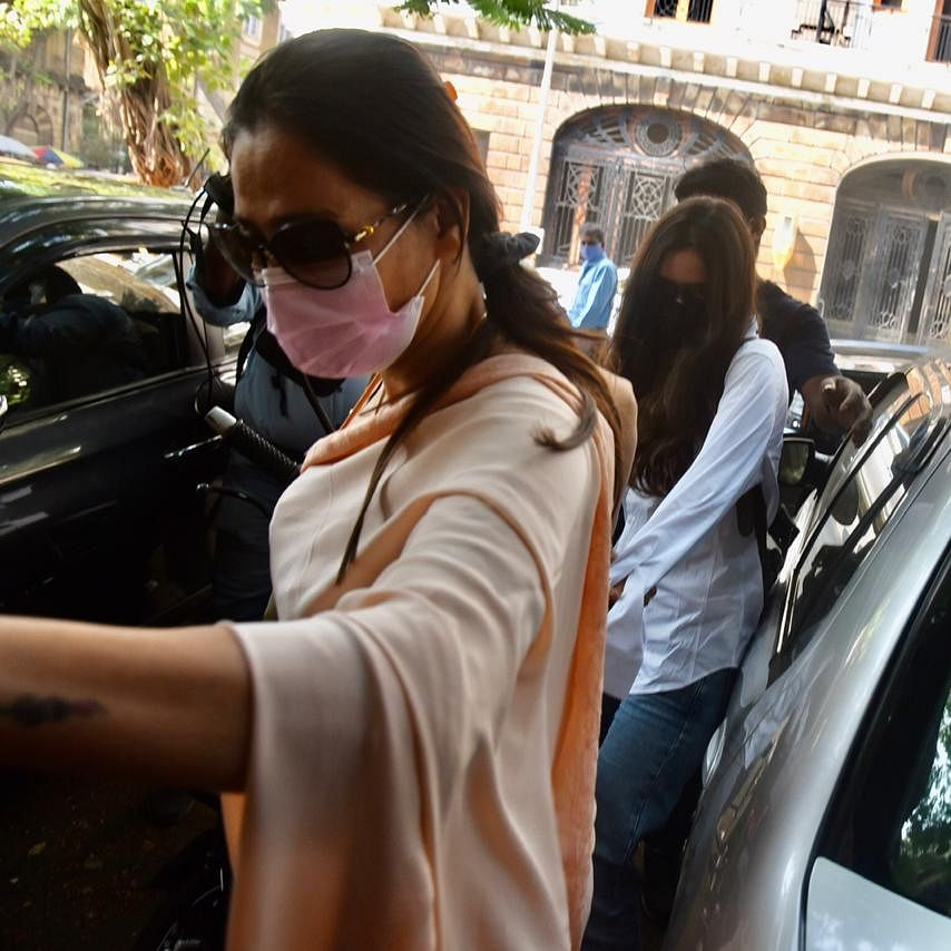 Watch: Arjun Rampal's GF Gabriella's lawyer loses calm over paparazzi outside NCB office