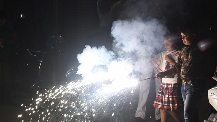 Mumbai: BMC bans firecrackers amid fear of second wave of COVID-19