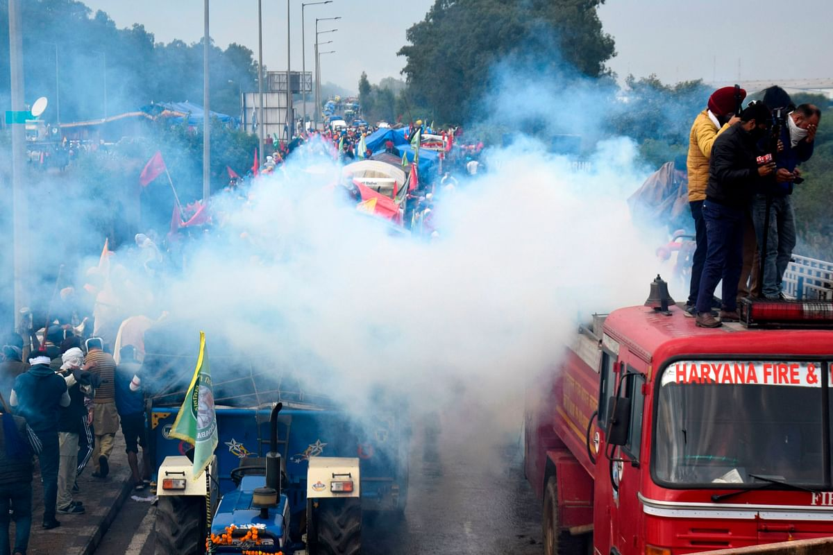 Farmers' Protest: Delhi Metro services from neighbouring cities to remain suspended