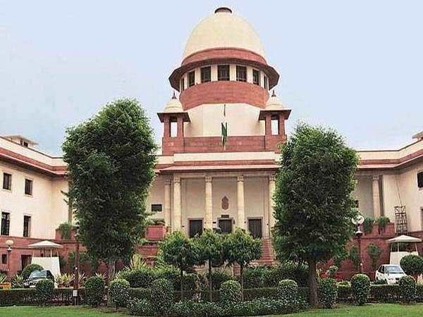 SC stays HC order gagging media from publishing news on FIR related to Amaravati land scam