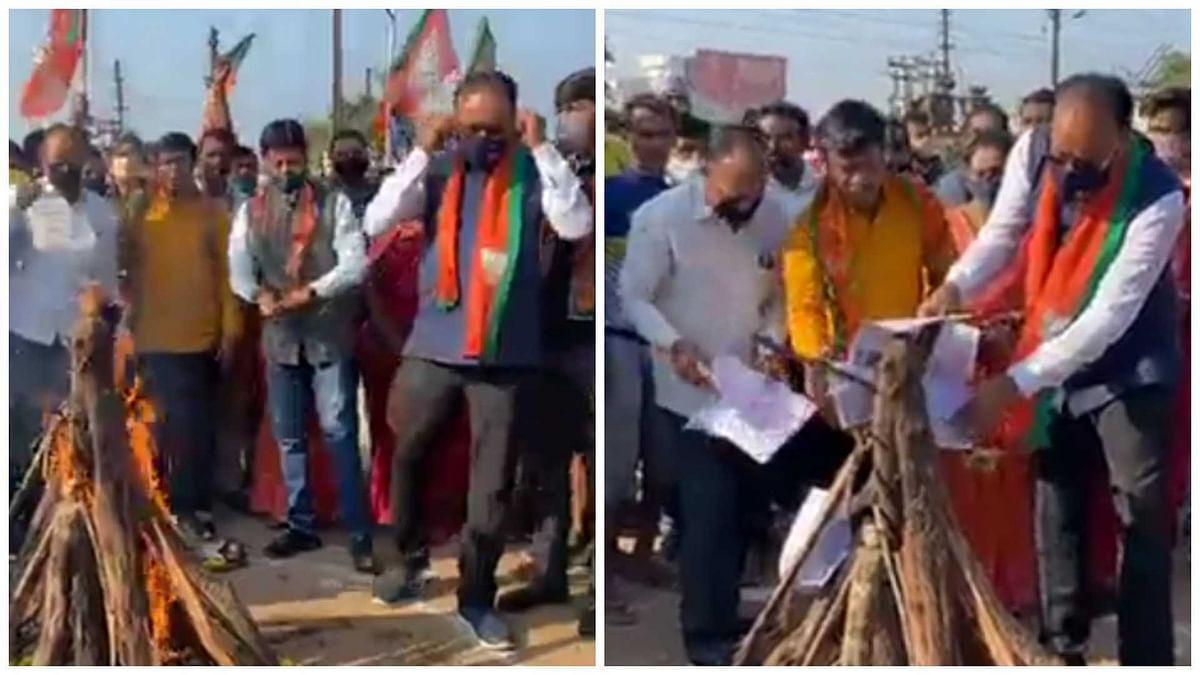 Former Maharashtra energy minister Chandrashekhar Bawankule burns 'inflated' power bills