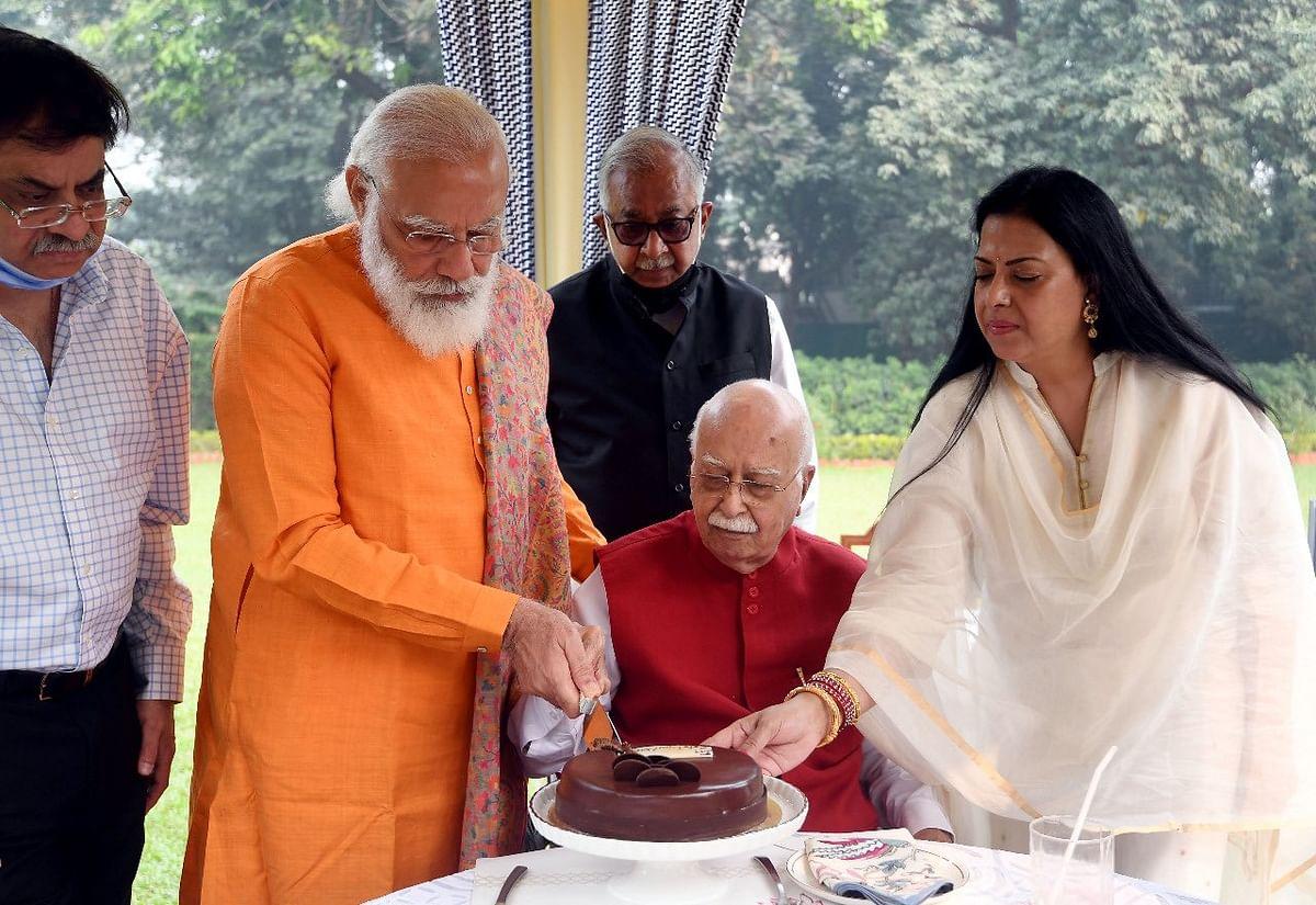 'Living inspiration': PM Modi lauds Advani on his 93rd birthday