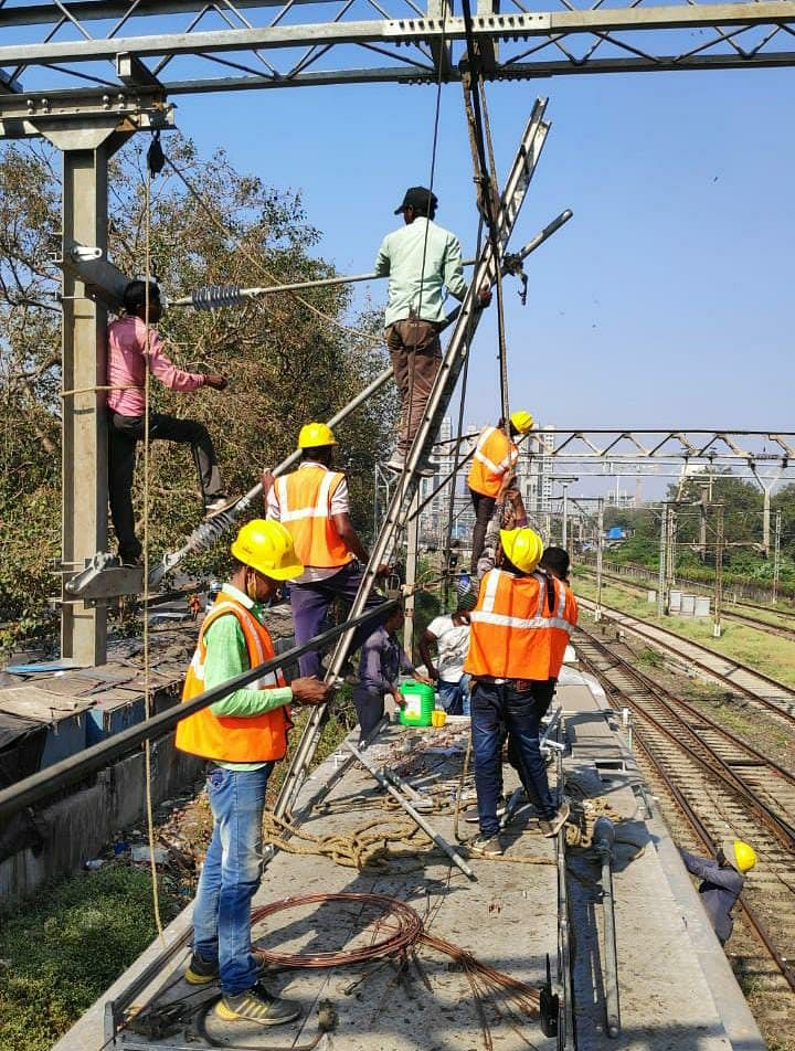 Central Railway carries out maintenance works during mega block on Nov 22