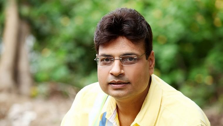 Poet-lyricist Irshad Kamil opens up about penning heart-touching chartbusters