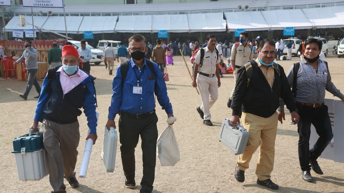 Indore: Distribution of voting materials begin for Sanwer assembly by-election