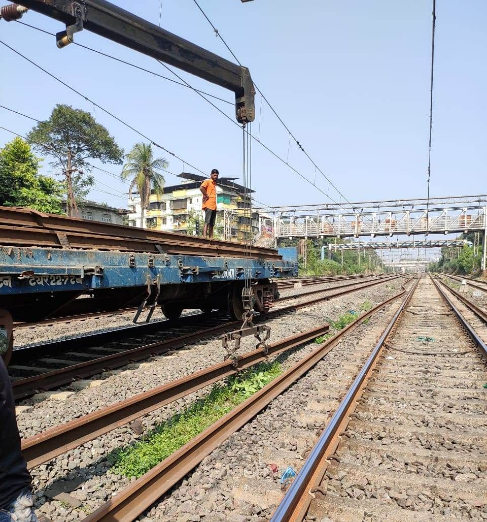 Central Railway carries out maintenance works during mega block on Nov 8