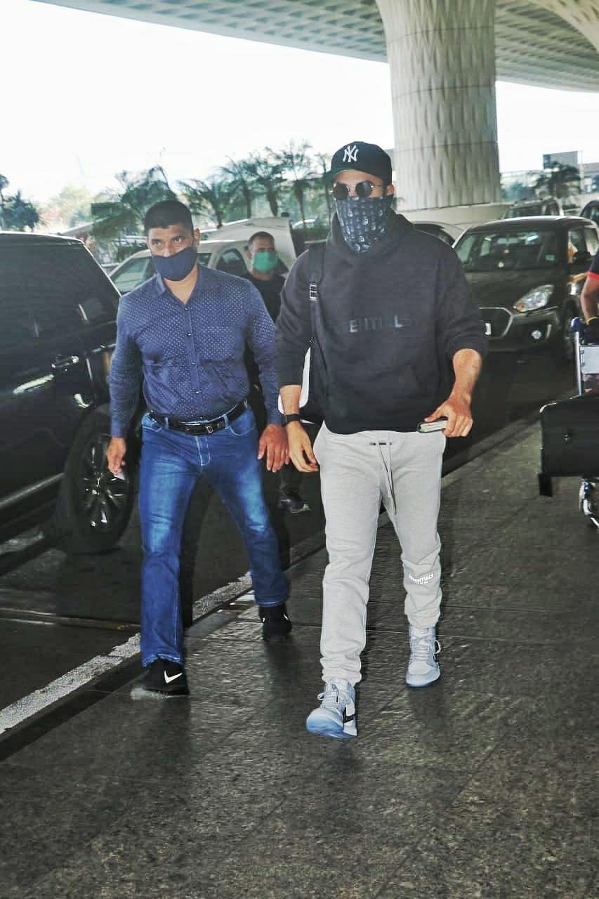 Ranbir Kapoor at the Mumbai airport on Wednesday