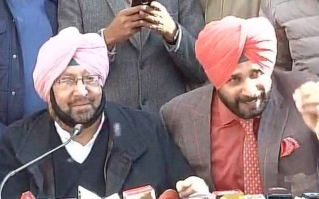 Sidhu had boiled veggies, I had missi roti; Does this look like a banquet to the Akalis? Amarinder Singh