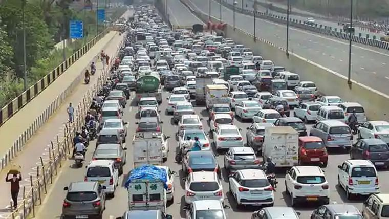 Central govt extends vehicle documents' validity till September 30