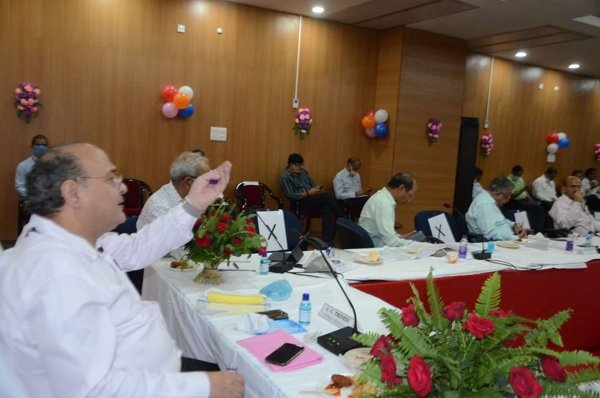 East Central Railway General Manager reviews the progress of projects