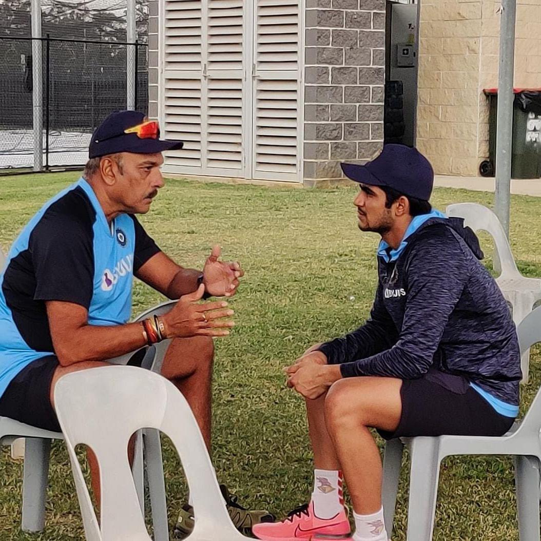 India vs Australia 2020: Ravi Shastri and Shubman Gill enjoy a 'good conversation ahead of the first ODI