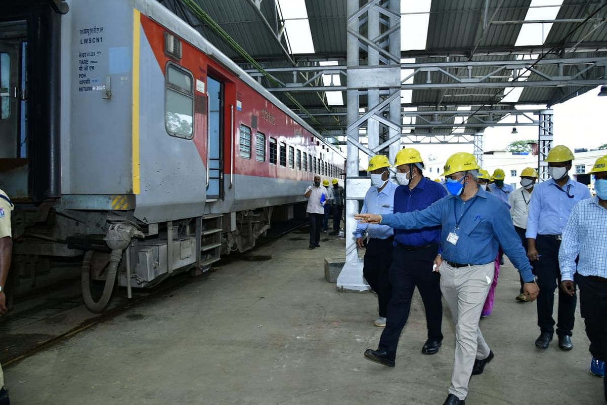 South Western Railway General Manager conducts an annual inspection of Central workshop, Ashokapuram