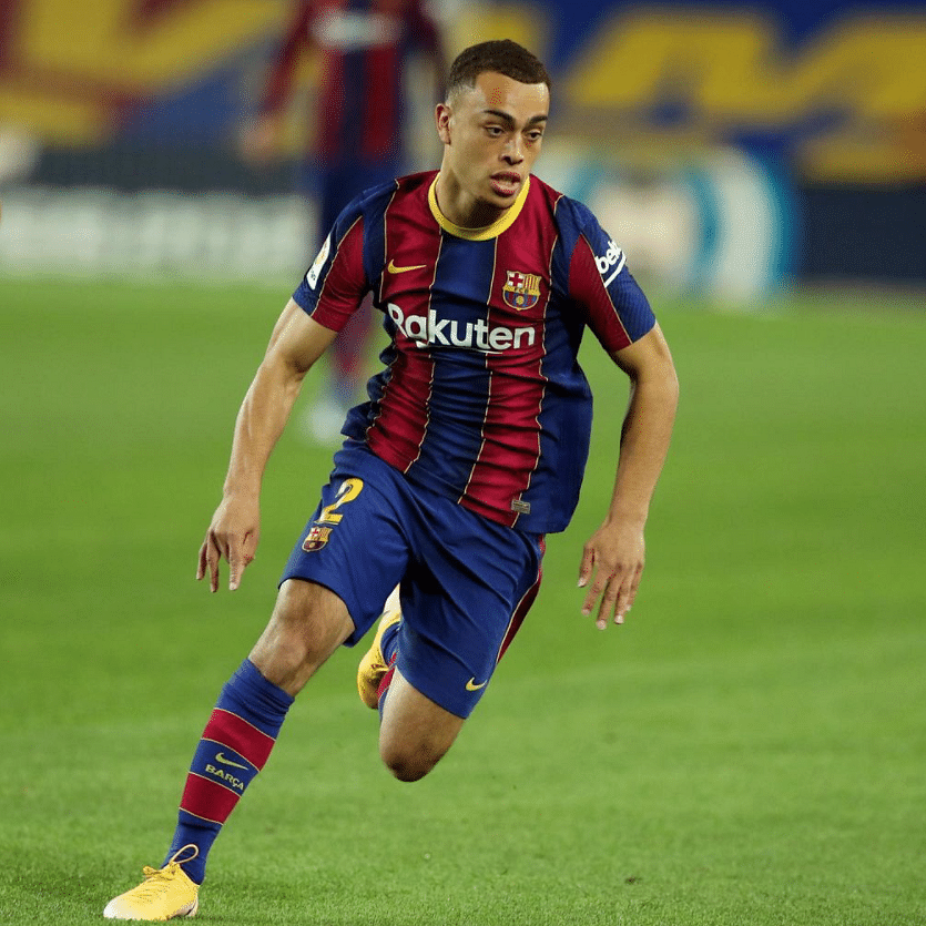 Sergino Dest scores 1st goal as Barcelona advances in Champions League