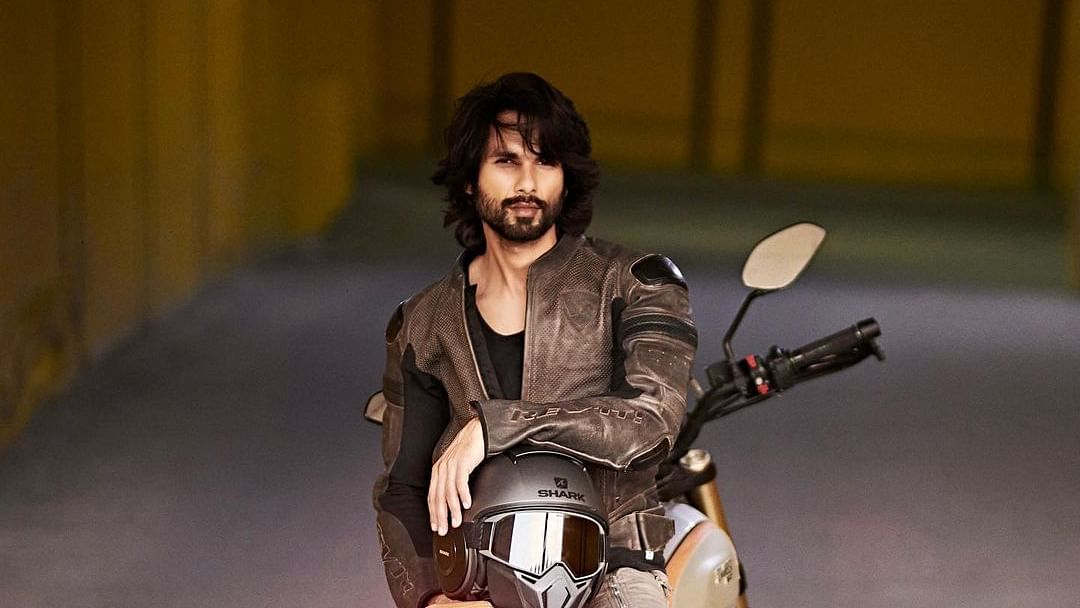 Shahid Kapoor leaves internet swooning over his stunning pics as he gears up for a 'morning ride'