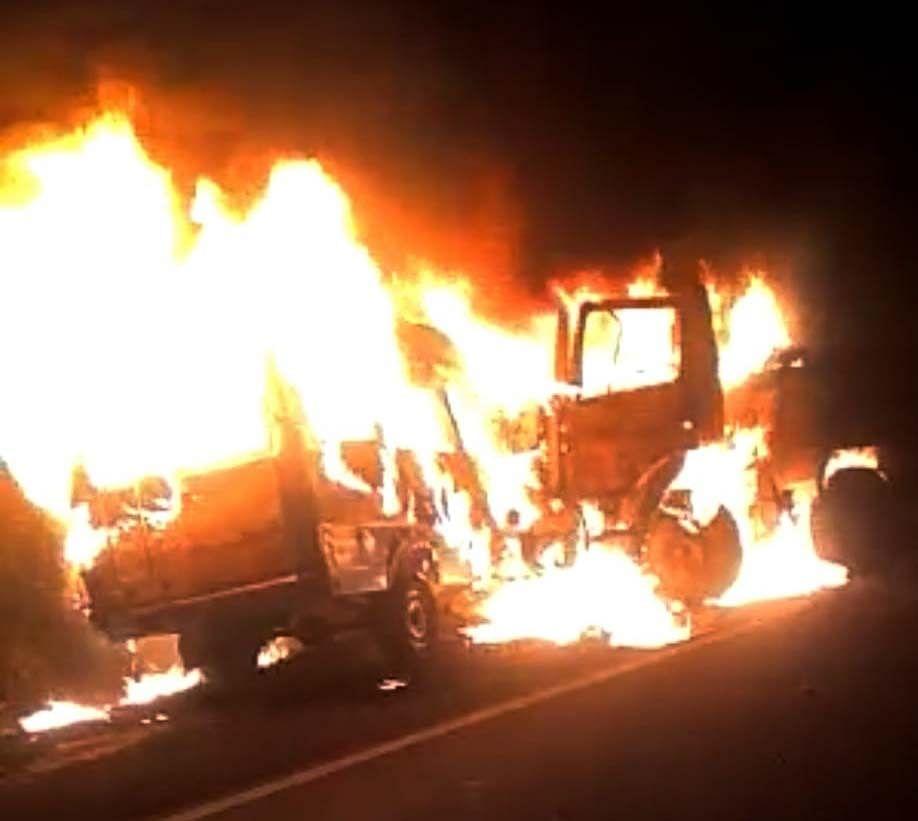 Bhopal: 3 people burnt alive as dumper, trawler collide