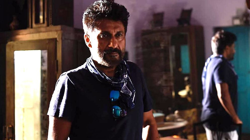 Filmmaker Vivek Agnihotri called out on Twitter for discrediting farmers speaking English