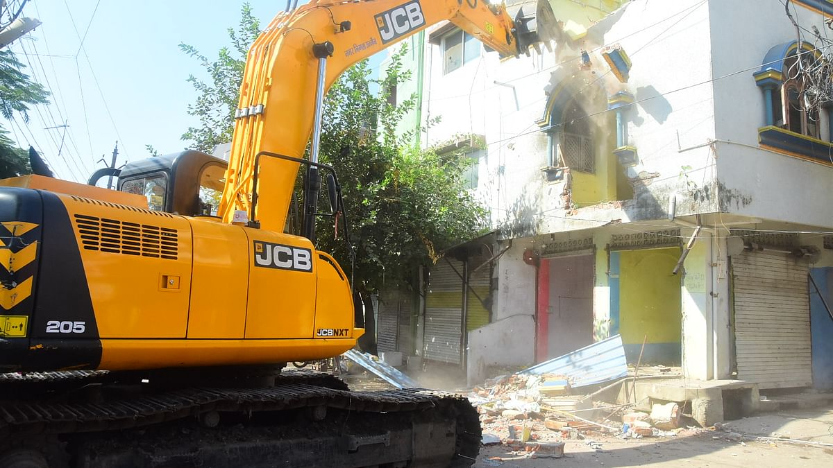 Goon Shahabuddin's residence in Ujjain bulldozed