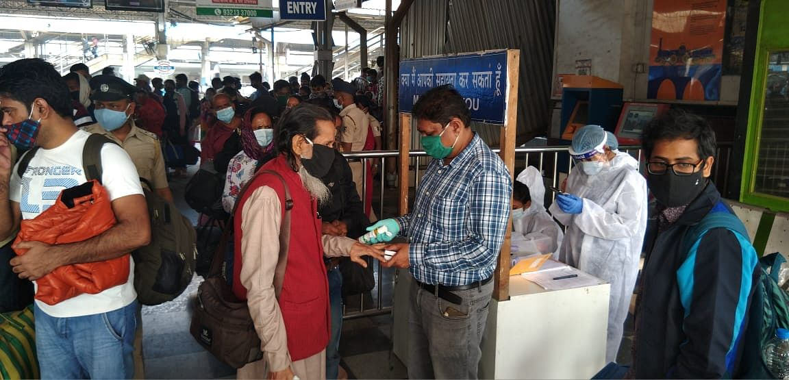 Authorities screening passengers at Borivali station.