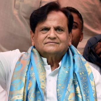 Mortal remains of Ahmed Patel reaches his native place in Gujarat's Bharuch